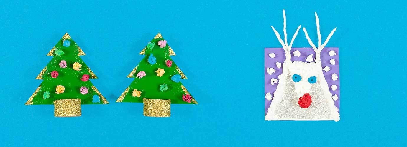 Felicitări de Crăciun - confecționate din carton, șervețele și sclipici - în formă de brazi de Crăciun și un ren alb