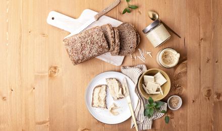 Weißer Schoko-Sesam-Aufstrich
