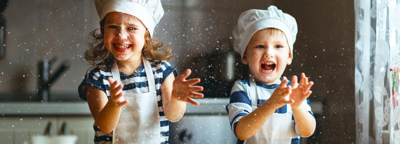Basteln mit Salzteig: Wie man Salzteig-Weihnachtsdeko herstellt