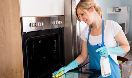Jak vyrobit přírodní domácí čistič na trouby