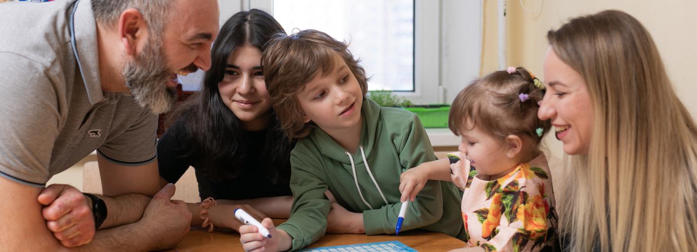 Календарь заботы о семье от бренда ZEWA поможет справедливо распределять домашние обязанности.